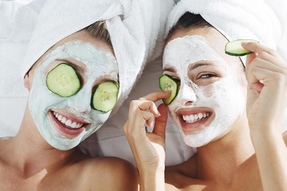 green masks